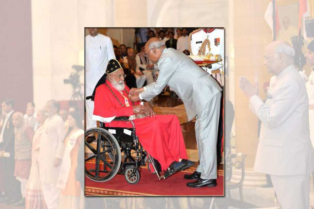 mar-chrysostom-receiving-padmabhushan